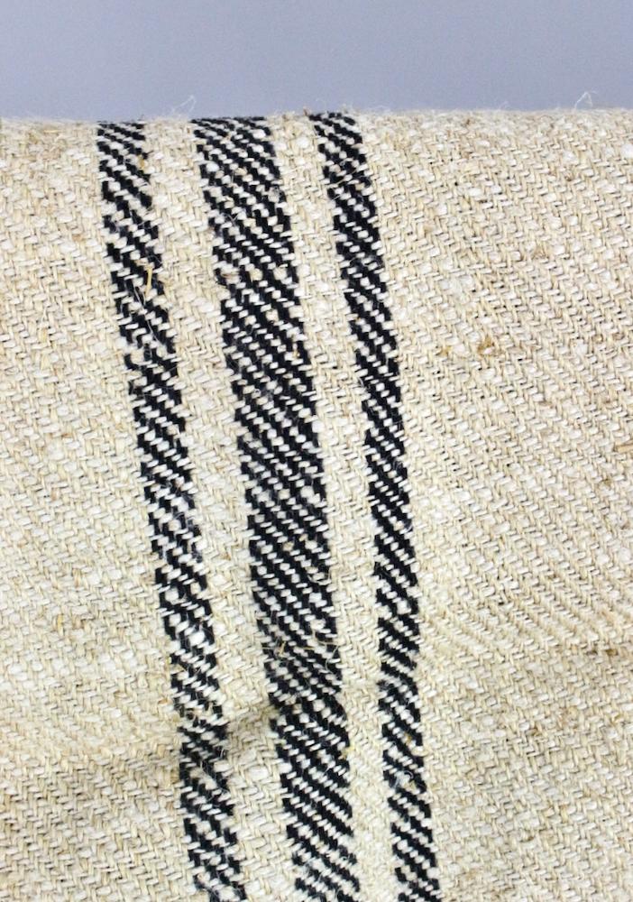 Kornsack mit schwarzen Streifen antik