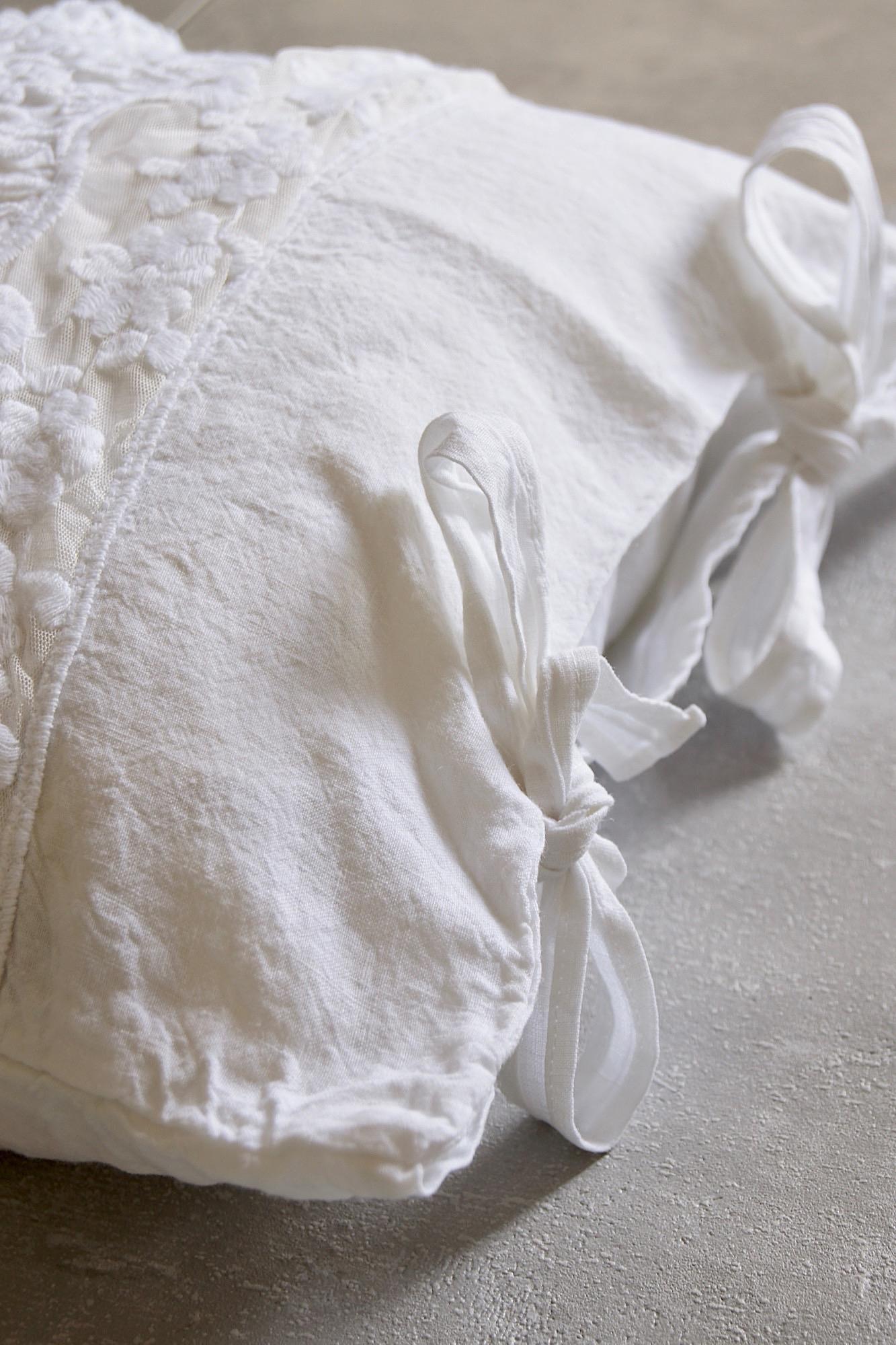 Leinenkissen mit Spitze, weiß, 40x40