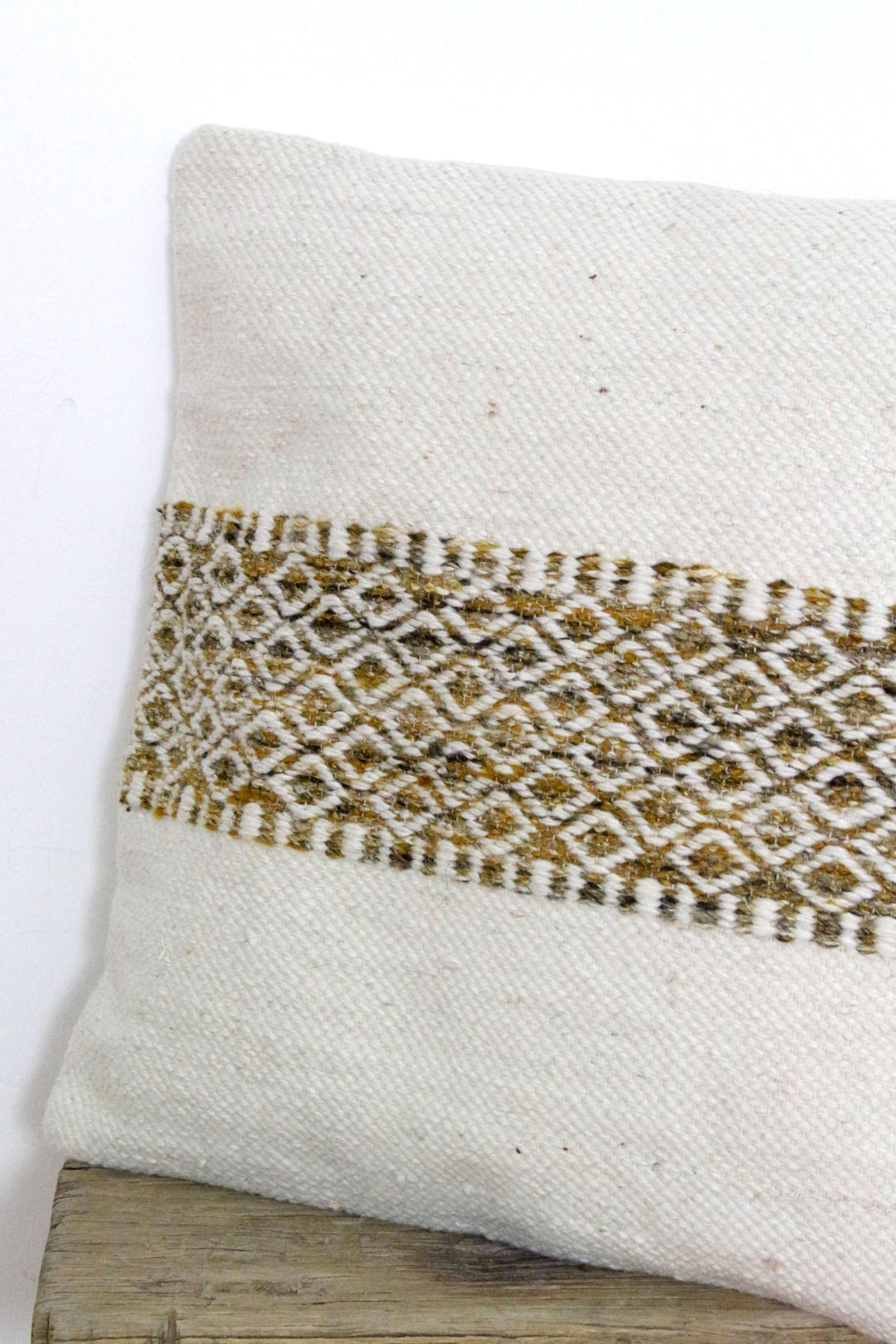 Wollkissen beige mit Muster 50x50