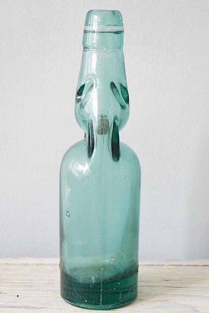 Alte Glasflasche, Indonesien