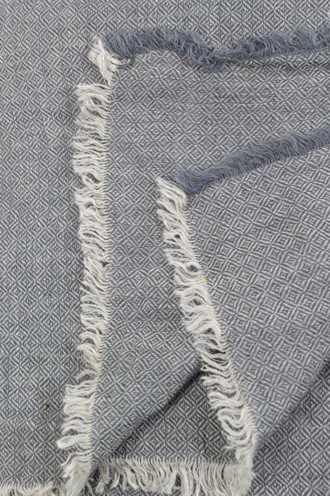 Leinendecke grau