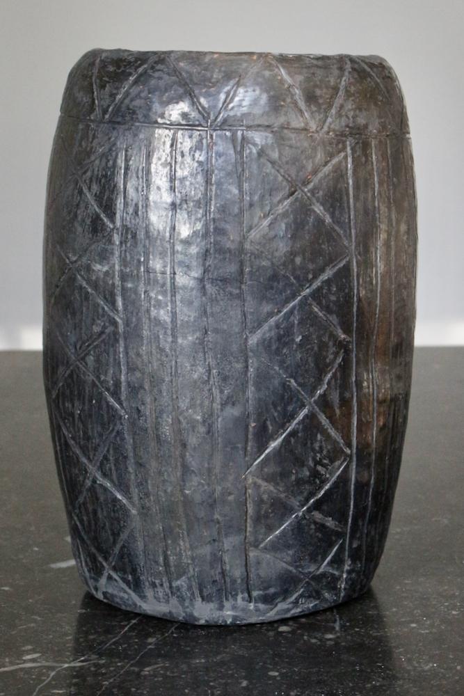 Schwarze Vase aus Keramik, 23xø15