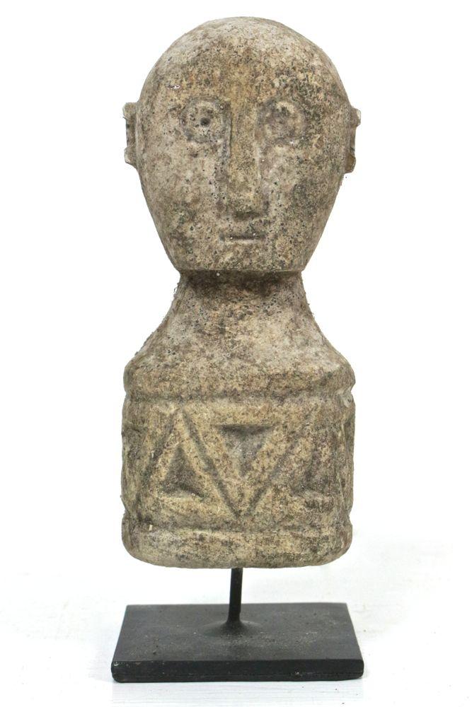 Kleine Skulptur aus Stein Handarbeit
