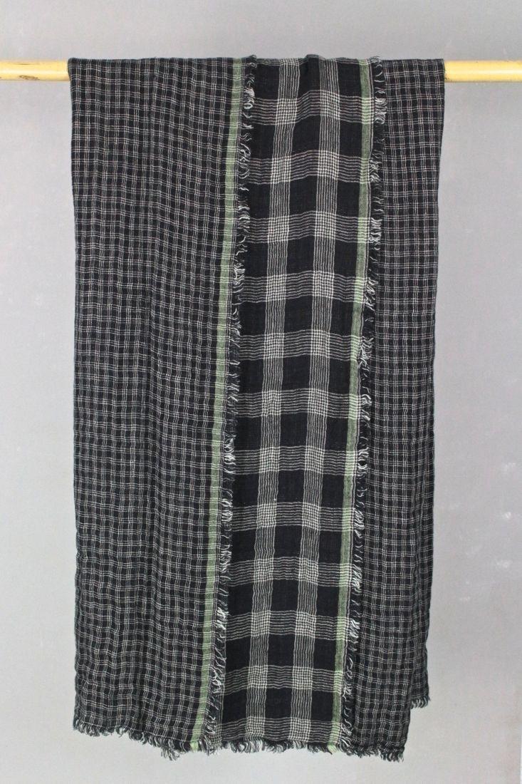 Leinenplaid schwarz mit hellen Karos