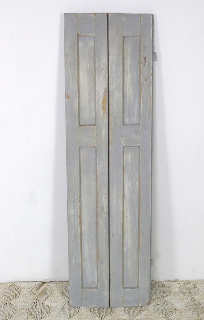 Grauer Holzfensterladen antik, 140x41