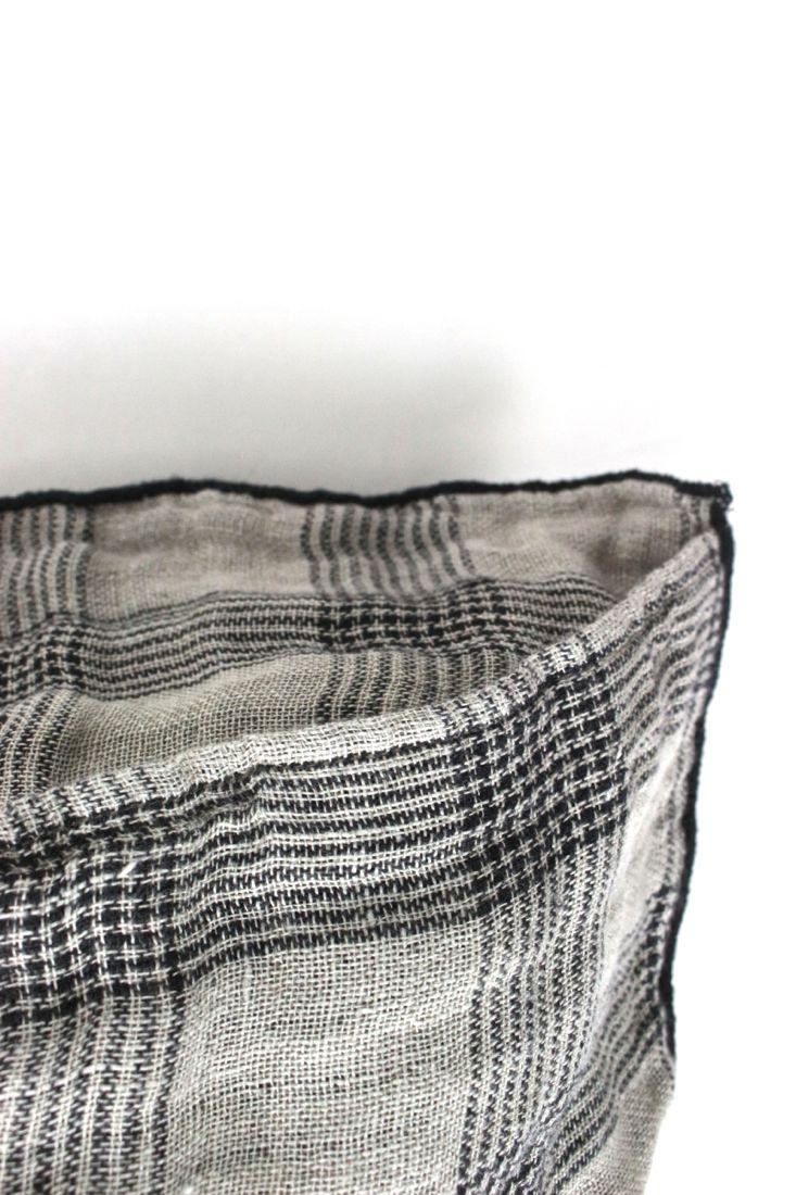 Leinenkissen Natur mit schwarzen Karos, 50x50