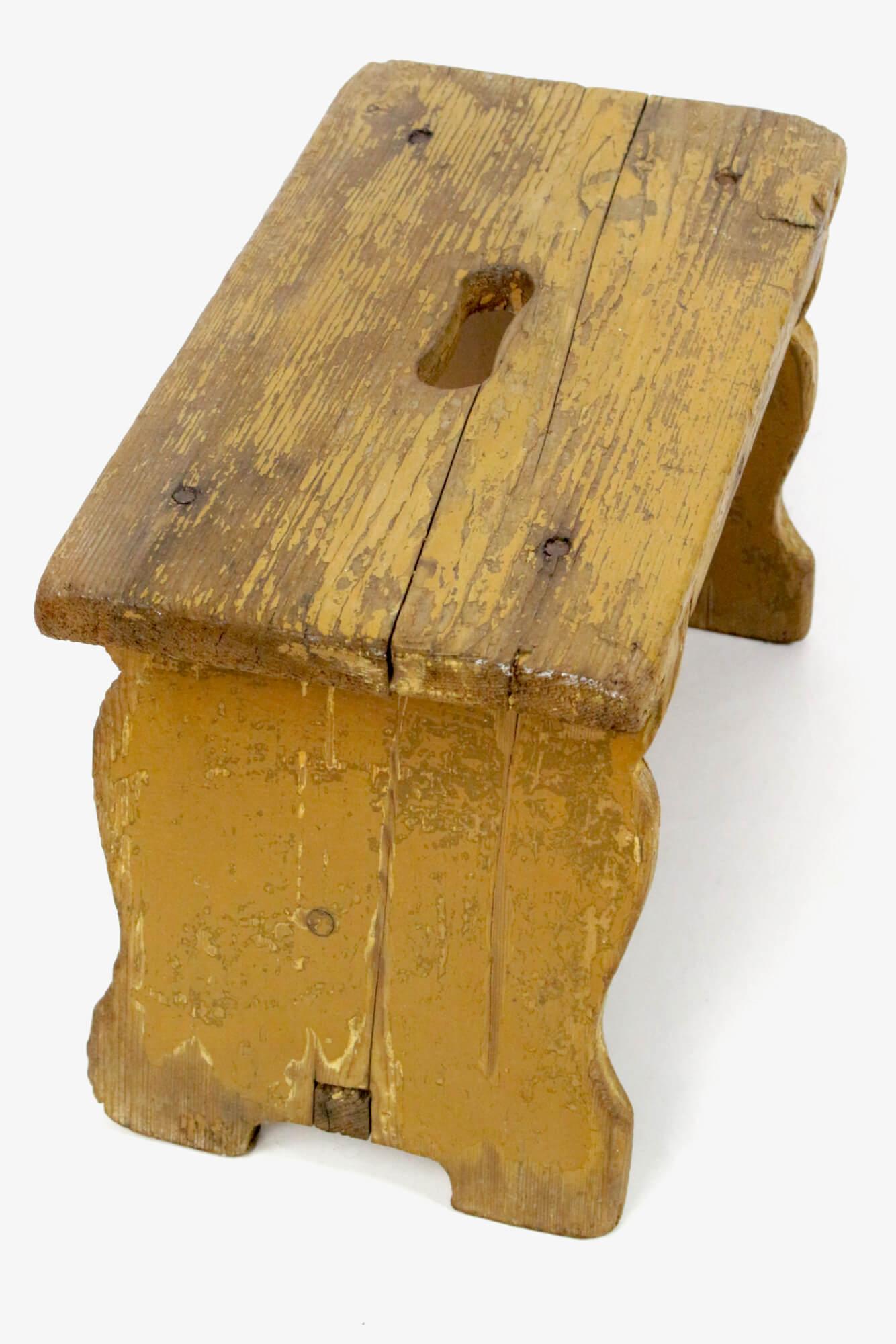 Antiker Fußschemel ocker