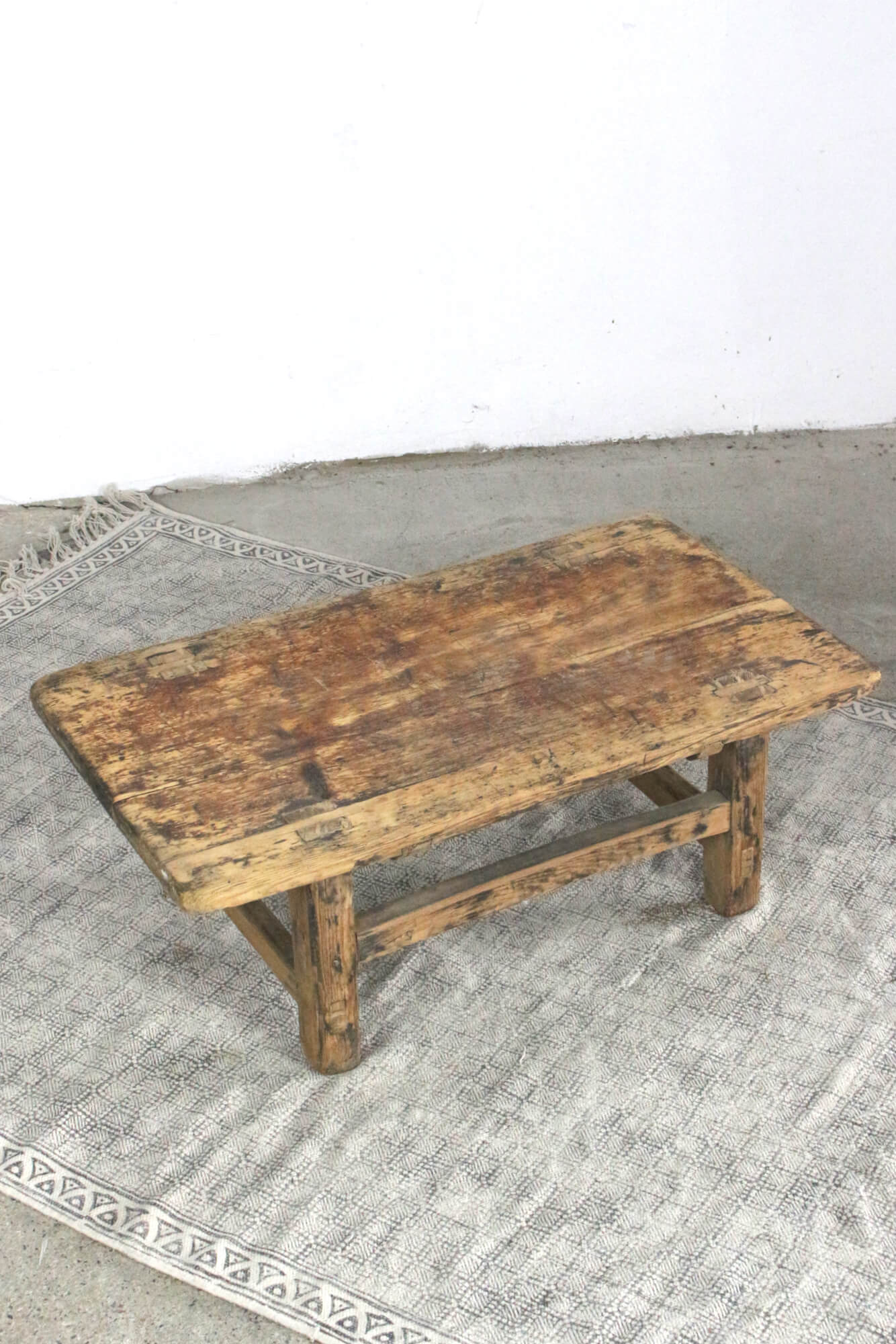 Holztisch, Coffee Table China antik, 28x59x44