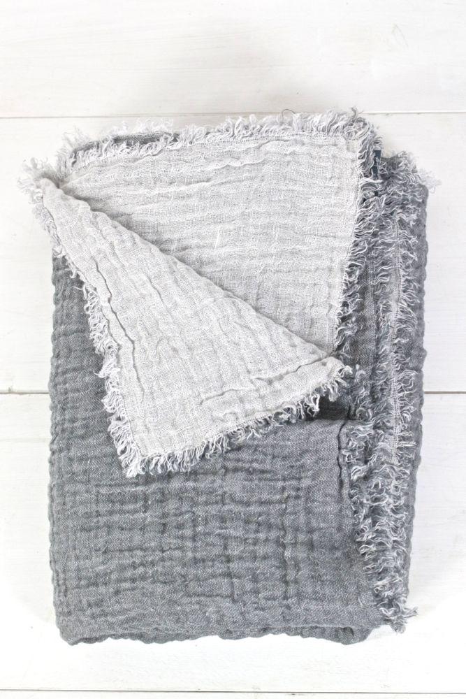 Leinendecke grau und hellgrau